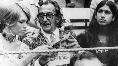 Salvador Dalí en la Monumental