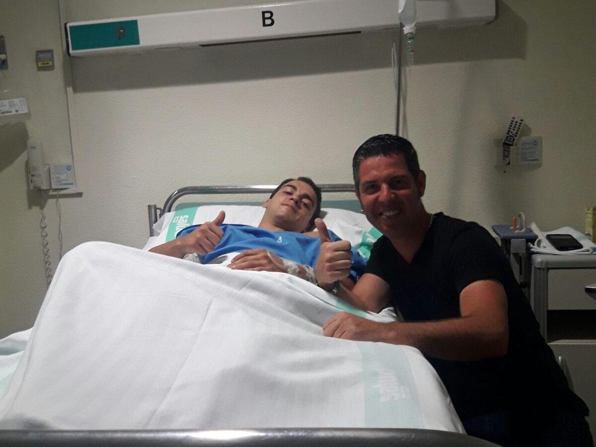 Manuel de Reyes es recupera de la cornada