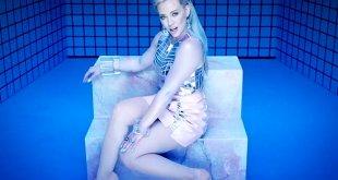 Hilary Duff ofrece dos vídeos para 'Sparks'