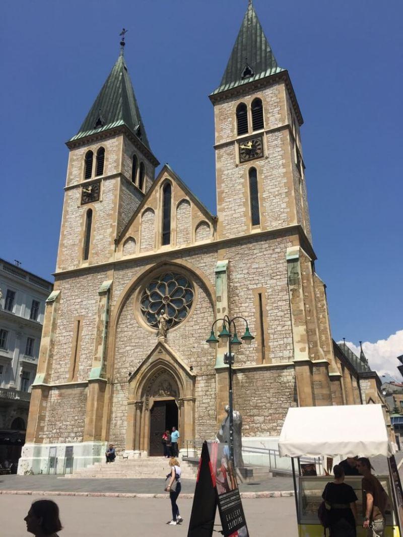 Citytrip Sarajevo - Vaders op Reis - Top 10, Heilige Hart Kathedraal