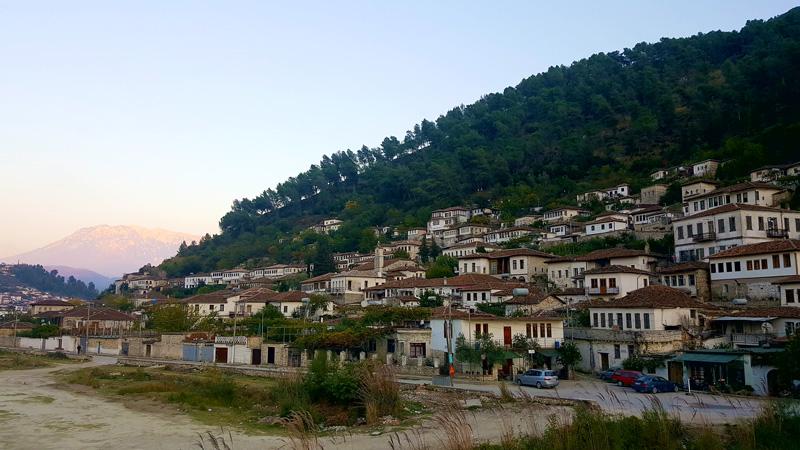 Cure dentali in Albania, Turismo dentale in Albania, Berat