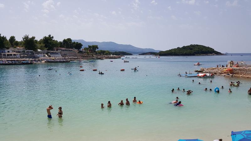 Vacanze in Albania con i bambini, Spiaggia di Ksamil, andare in albania con i bambini