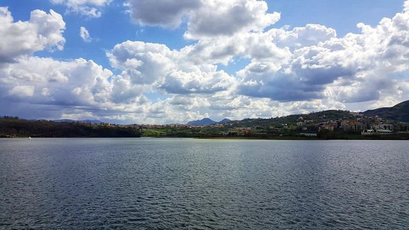 Tirana, lago artificiale, come raggiungere l'Albania