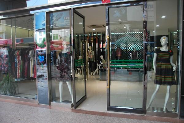 empty shops in Kashgar
