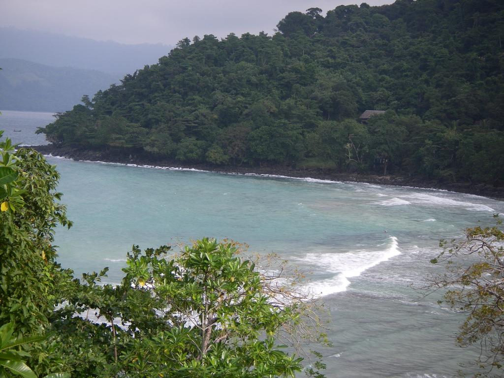Gapang_Beach,_Sabang,_Aceh