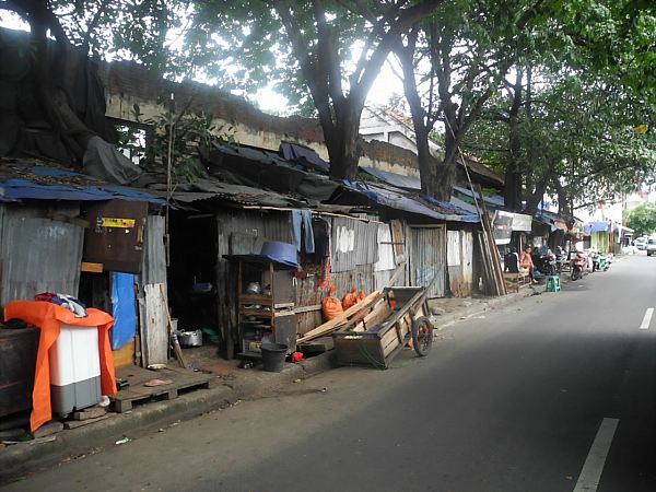 Jakarta slum housing
