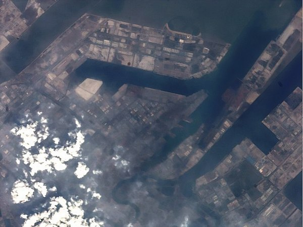 Port_of_Tianjin_ISS036-E-35032_DCE