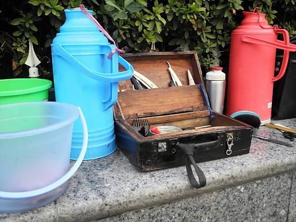 Chinese street barber equipment