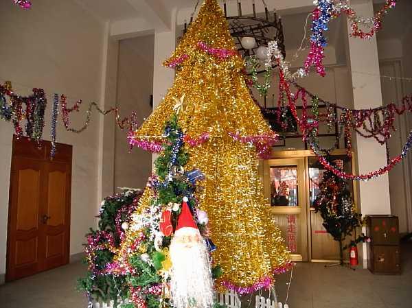 christmas-tree-china