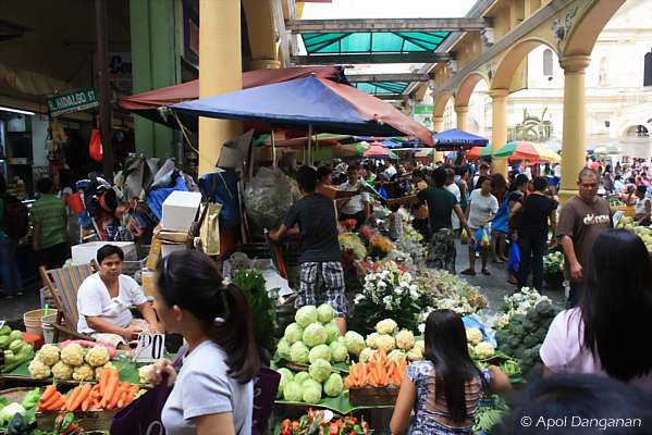 crowded-market-philippines
