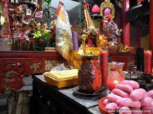 taiwan-temple-offerings