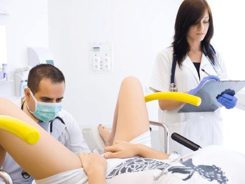 Vaginismus beim Frauenarzt