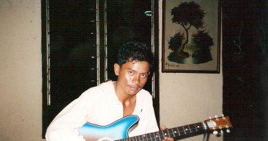 Indonesian Guitar Man
