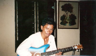 Indonesian Guitar Man
