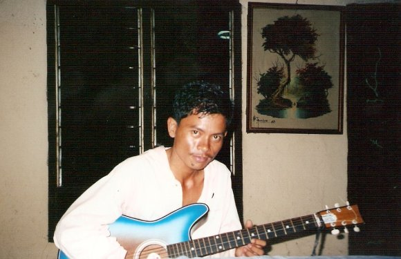 Indonesian Guitar Man – Have You Been Here?