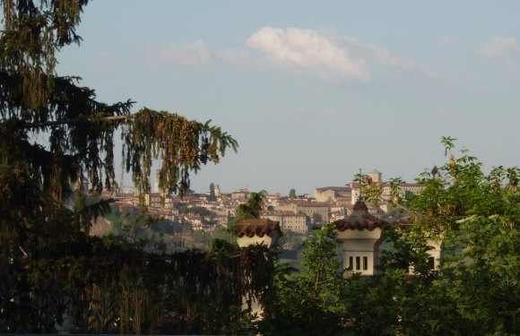 Memory and Travel – Reflections on Bergamo and kindness to strangers