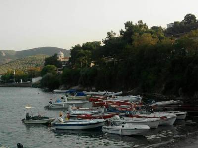 fishing boats in the gulf of volos