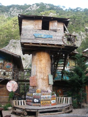 Olympus Turkey Treehouses