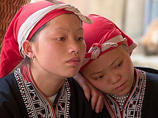 Red Yao teens