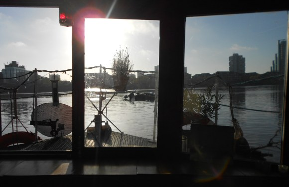 Sun on the Thames from a Houseboat in Chelsea – Photo of the Day