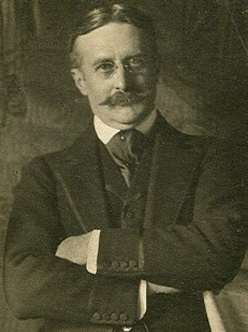 Harry_Gordon_Selfridge_circa_1910 See page for author [Public domain], via Wikimedia Commons