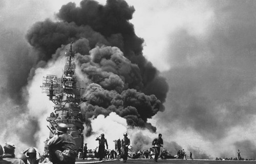 USS Bunker Hill hit by two Kamikazes in 30 seconds on 11 May 1945 off Kyushu