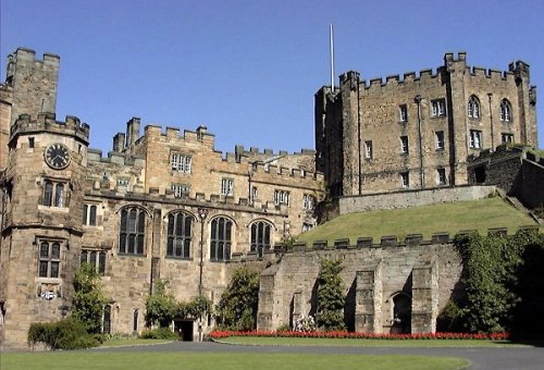 Durham Castle - view from within the Castle courtyard By en:User:Robin Widdison (en-WP) [see page for license], via Wikimedia Commons