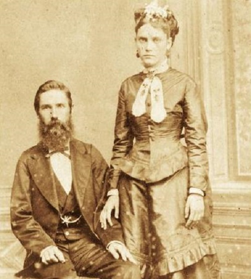 Joseph Withaker and Isabel Norris - two of the first emigrants See page for author [Public domain], via Wikimedia Commons