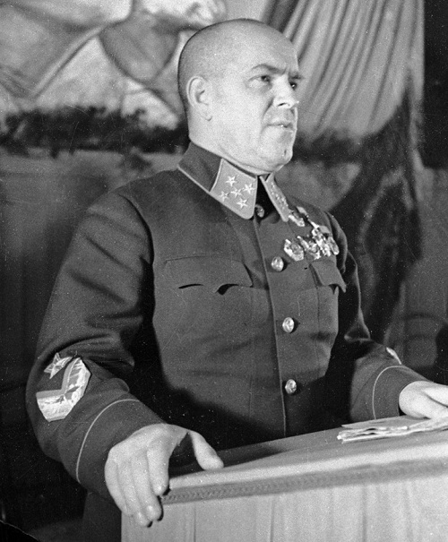 General Georgy Zhukov speaking RIA Novosti archive, image #2410 / P. Bernstein / CC-BY-SA 3.0 [CC-BY-SA-3.0 (http://creativecommons.org/licenses/by-sa/3.0)], via Wikimedia Commons
