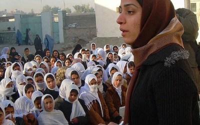 Escritoras de Afganistán, que necesitas leer para entender lo que está pasando