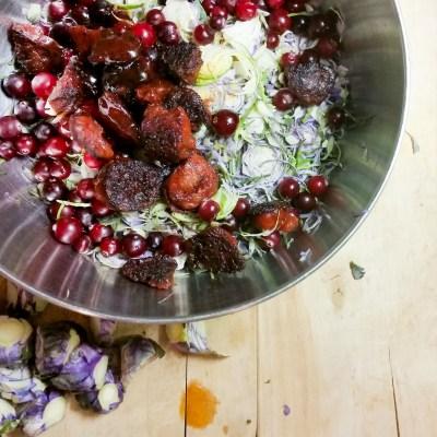 Jouluinen ruusukaalisalaatti