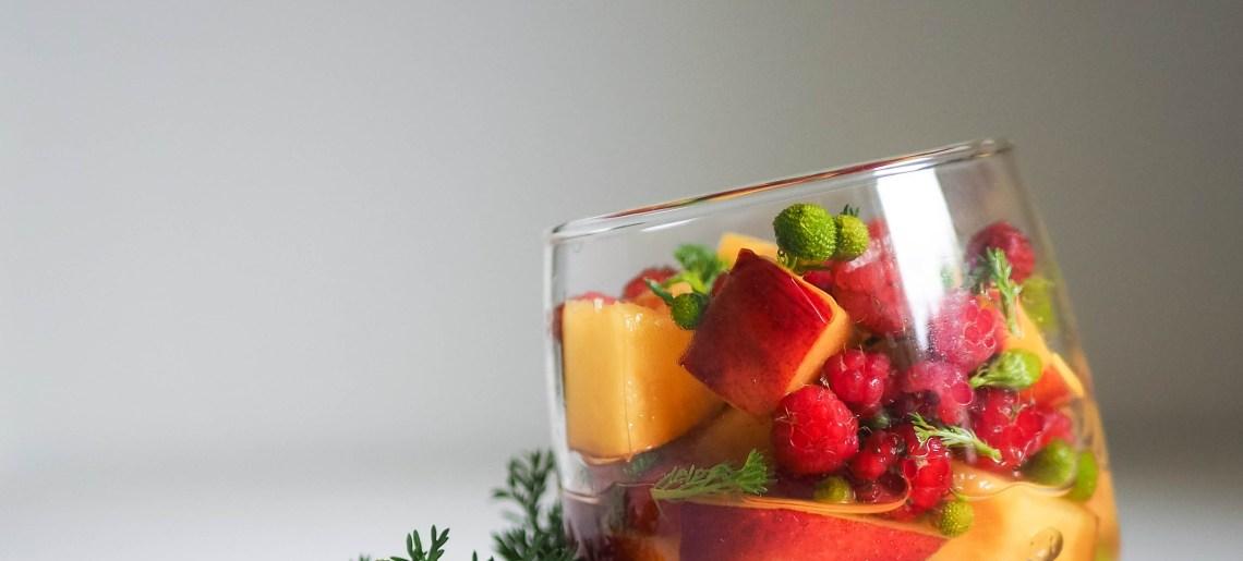Pihasaunio-hedelmäsalaatti