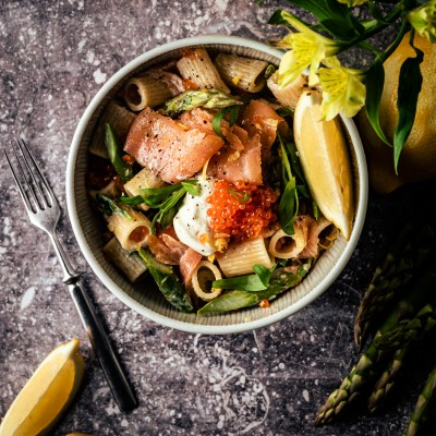 Cold smoked salmon pasta with asparagus