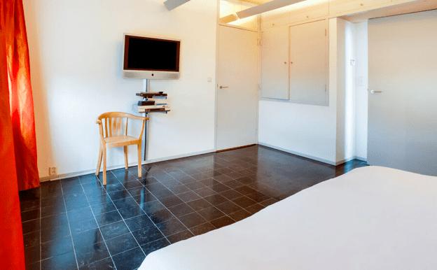 Vrijstaande watervilla in Friesland aan het water met sauna 13