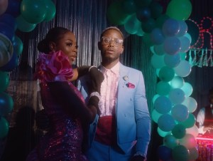 Chike ft. Mayorkun – If You No Love (Remix) ( Video )