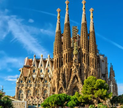 sagrada-familia-cathedral-barcelona-catholic-architecture-r