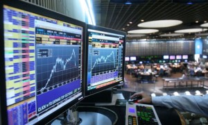 Pilih yang Mana: Trading Manual Atau Trading Otomatis