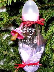 biberon gravé avec prénom personnalisé de bébé couleur rose