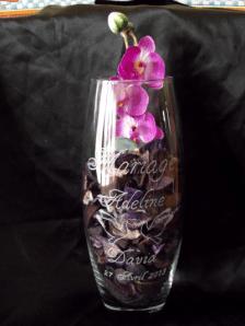 vase en verre mariage gravure colombe,beuvry la foret