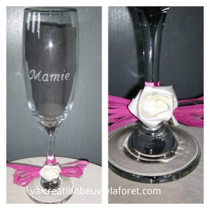 flute-gravure-mamie-prenom-pied-decoration-rafia-rose