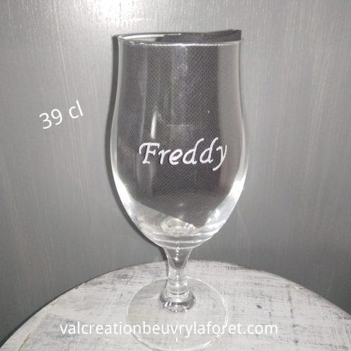 verre-biere-gravure-prenom-tulipe-personnalisable-verre-a-pied