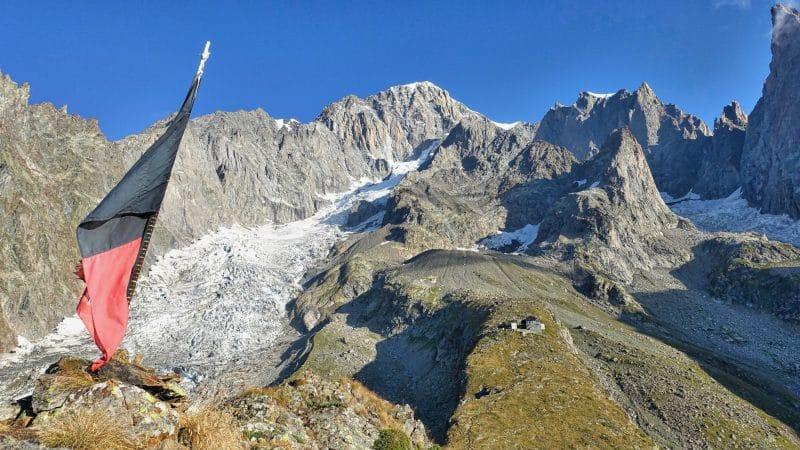 Mont blanc et refuge Monzino