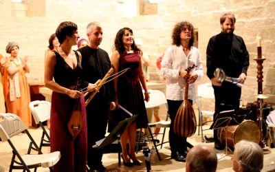 Rotundo éxito del espectáculo El Canto de la Sibila en San Pedro de Etxano