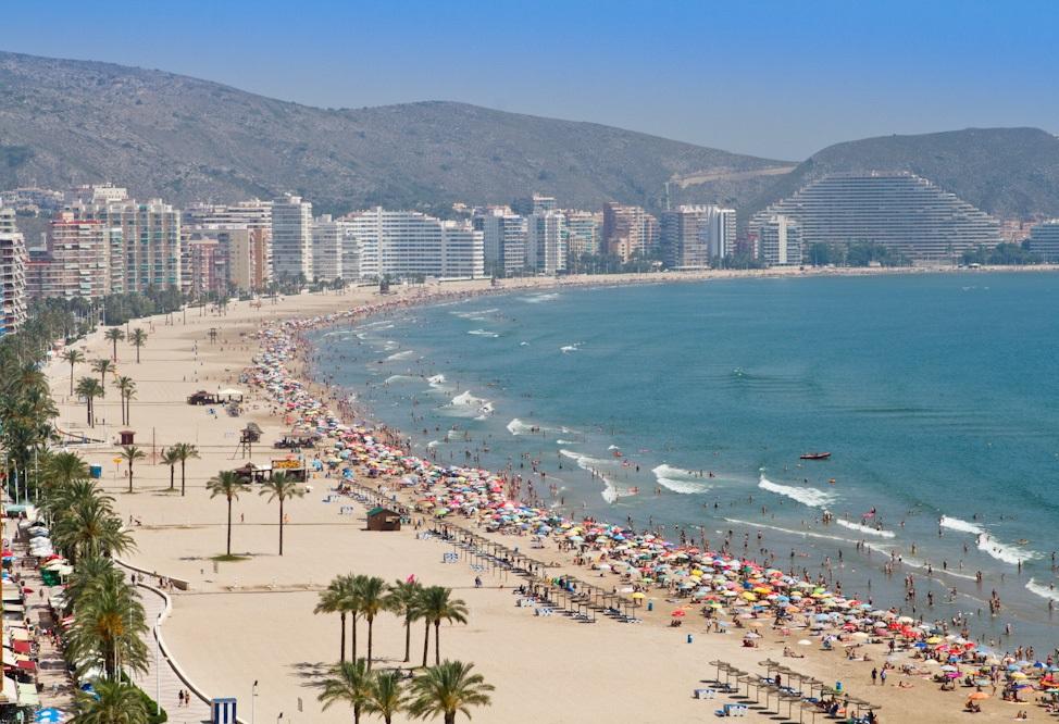 La Comunidad Valenciana vuelve a liderar el número de Banderas Azules en las playas españolas