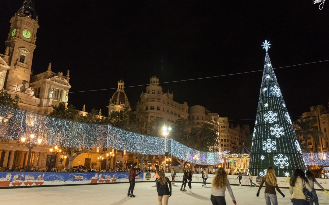 Regresa desde hoy la pista de hielo a la plaza del Ayuntamiento