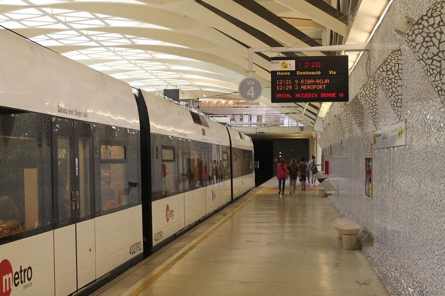 Valencia se queda sin servicio de Metrovalencia en Nochevieja por la huelga