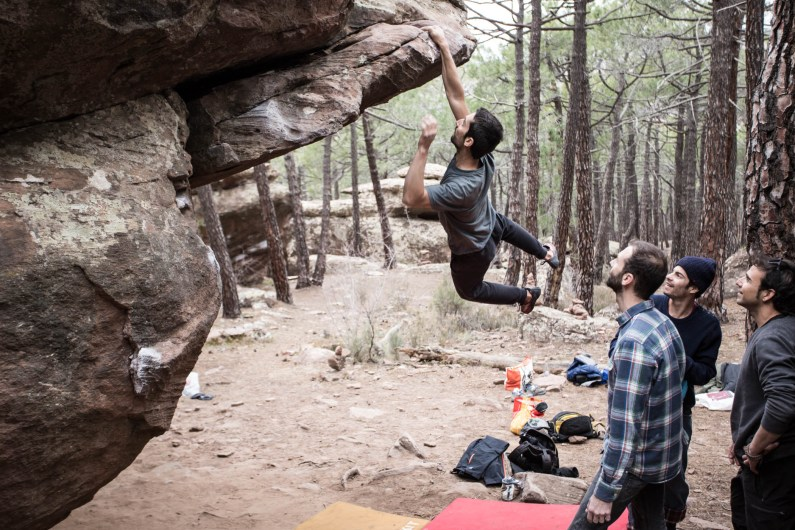 Nacho doing boulder in Albarracín.