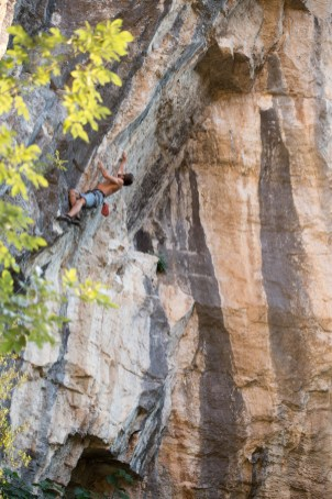Florian climbing in Buñol.