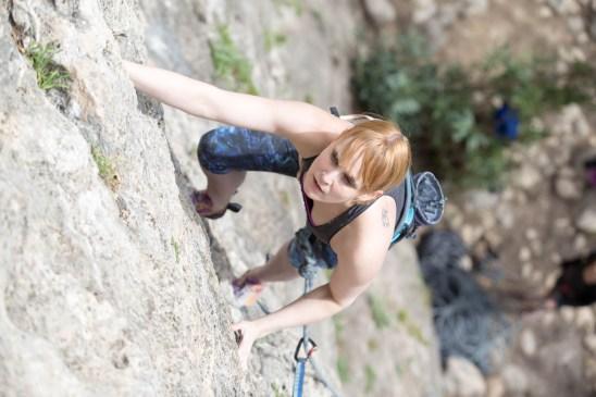 Gemma escalando con nosotros en Montanejos (2017).