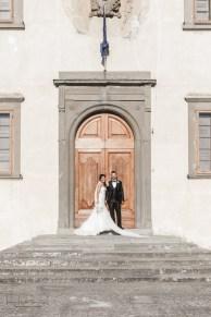 sposi e portone